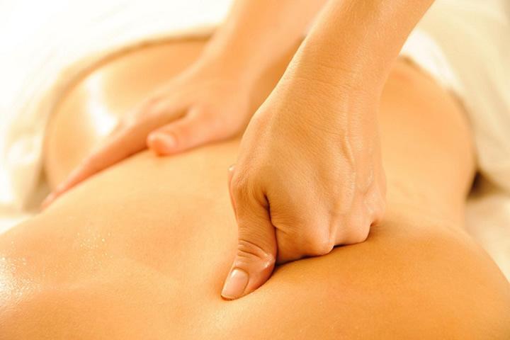 massaggio decontratturante Centro Estetico Bellessere Roma Via Monte Cervialto